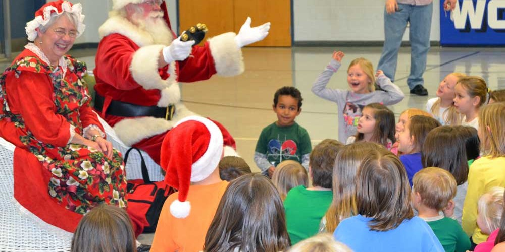WLS Hosts Christmas Story Night - Woodburn Lutheran School